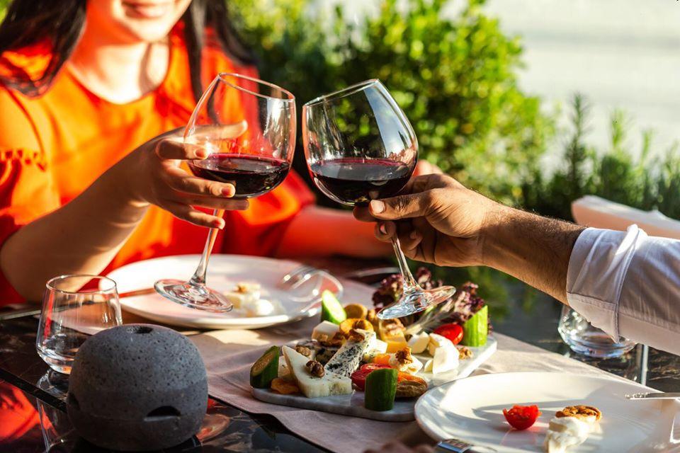 Şarap ile Yemek